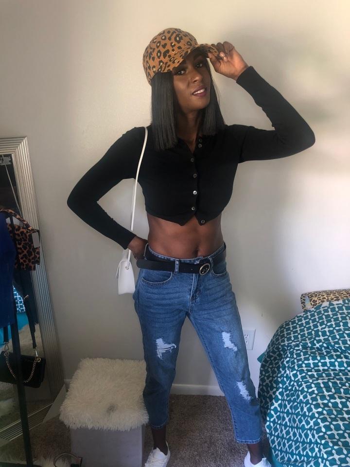 3 Stylish Ways to Wear MomJeans
